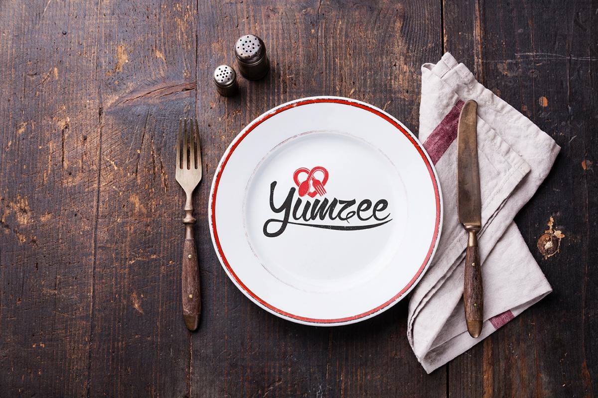 Yumzee plate